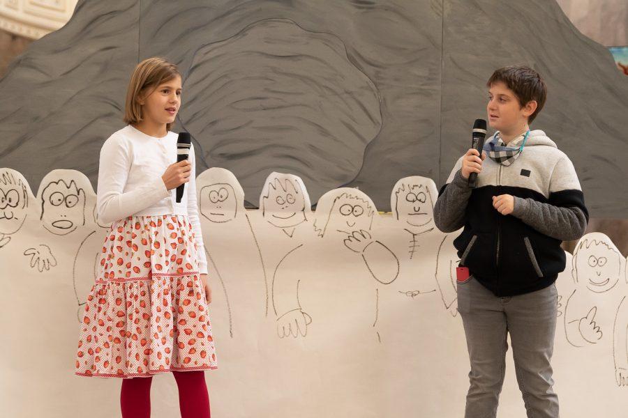 Nina und Benjamin erzählen uns, wie das neue Schuljahr für sie begonnen hat.