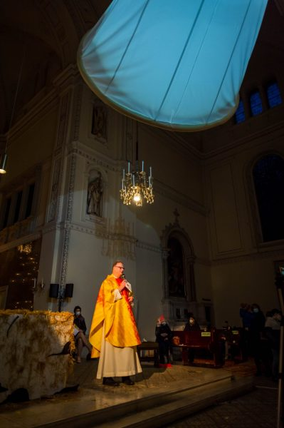 Gregor erzählt uns, wie wichtig es war, dass Maria gut hingehört hat, als der Engel zu ihr kam. Nicht alles, was wichtig ist, ist groß und laut …